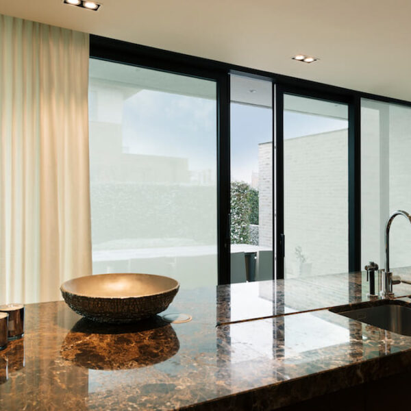 Glass covering using SQUID in kitchen spaces